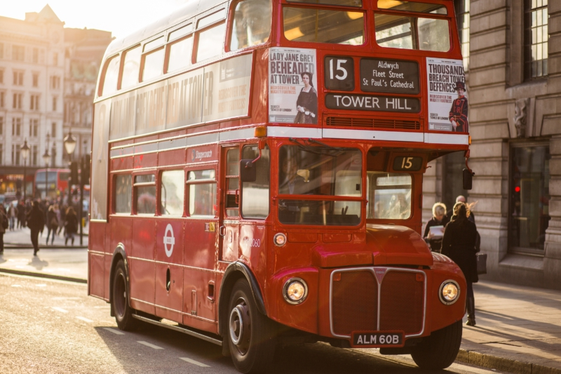 Bus anglais, photo pour NeoLangue. Un projet du Studio DPE